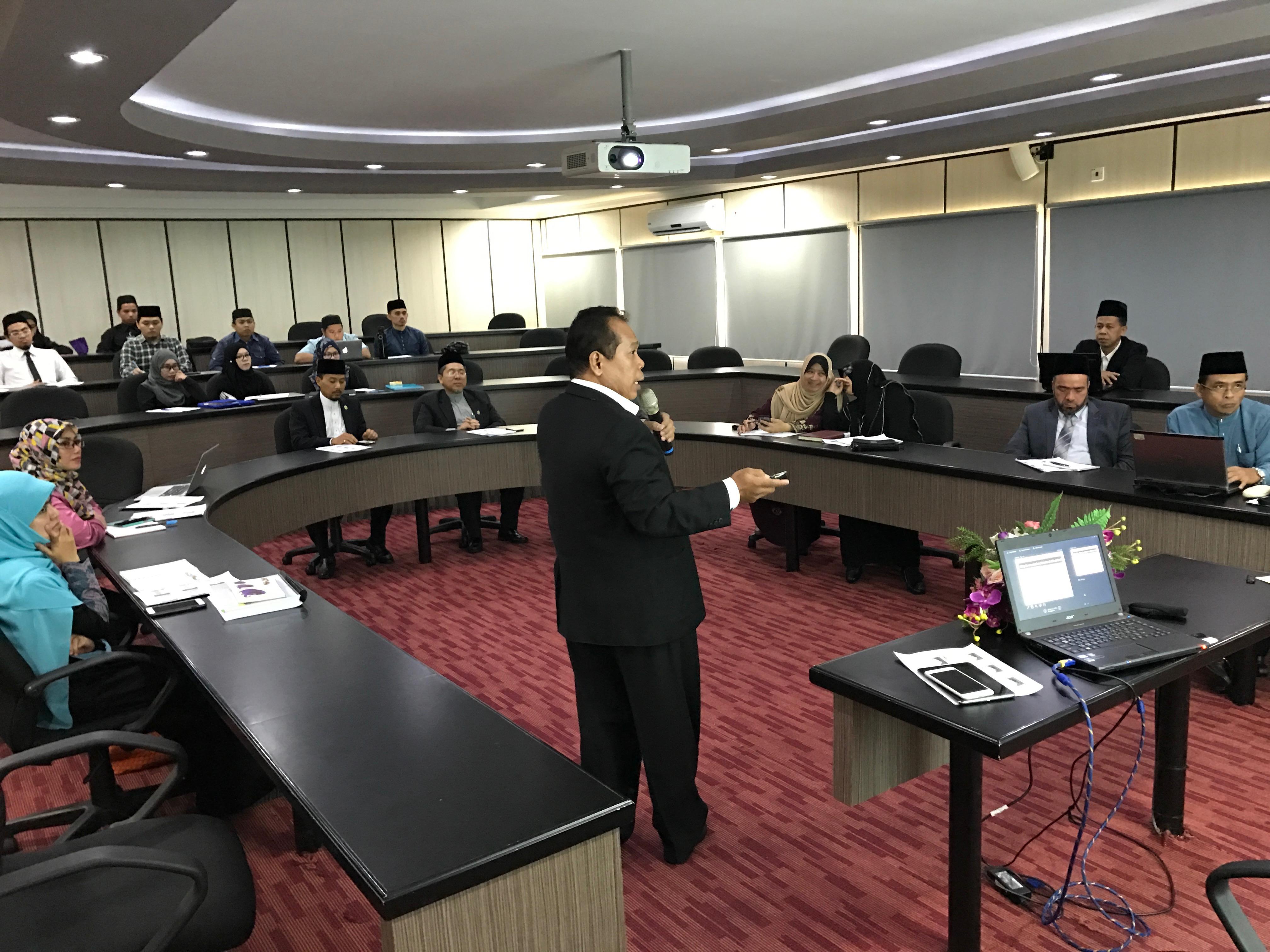 Rektor UNNES Presentasikan Pendidikan Multikultural, Konservasi dan Revolusi Mental di Brunei Darussalam