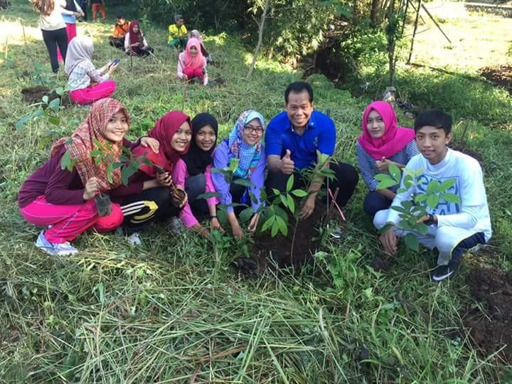 Rektor Unnes; Menanam Pohon Adalah Menanam Harapan Meneguhkan Konservasi