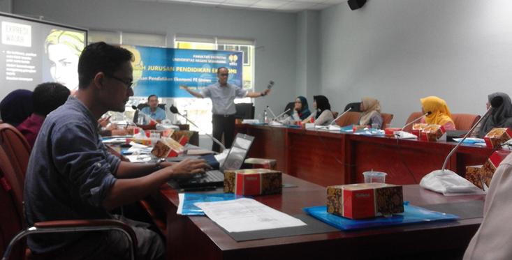 Diskusi Ilmiah Public Speaking dan Metodologi Penelitian