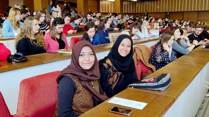 Mahasiswa FIP melaksanakan Credit Transfer ke Trnava University, Slovakia
