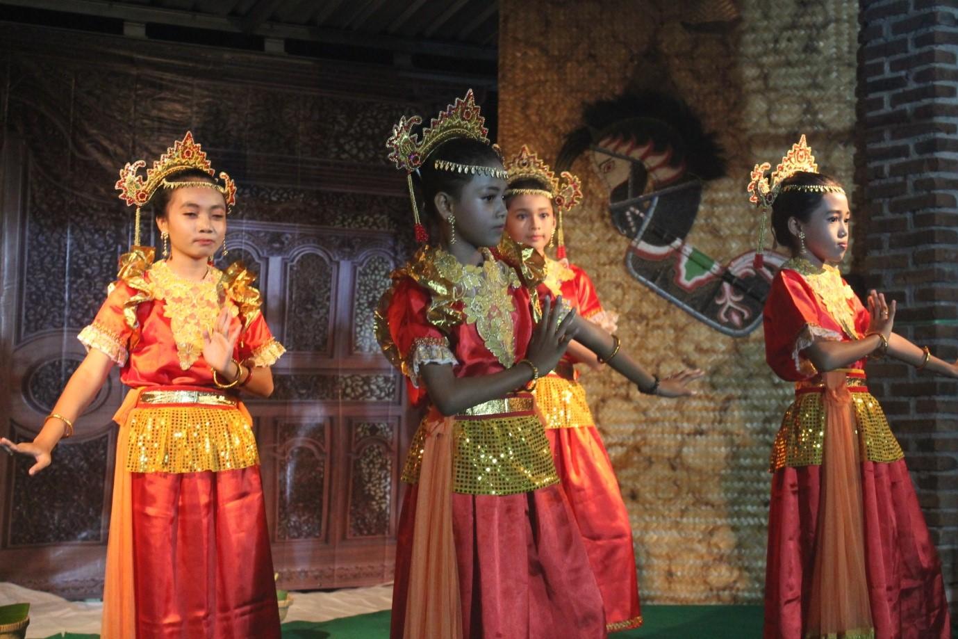 Membangkitkan Potensi Kesenian Melalui Program Festival Desa Keji