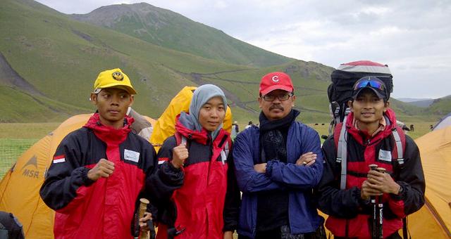 15 Agustus Tim Mahapala Capai Ketinggian  4.600 Mdpl Gunung Elbrush