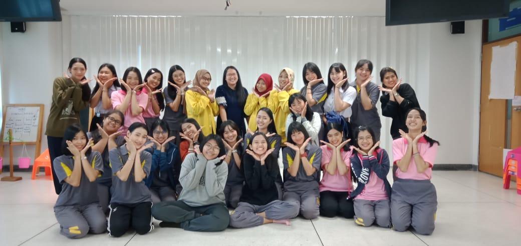 Tiga Mahasiswa FIP Short Course di Thailand