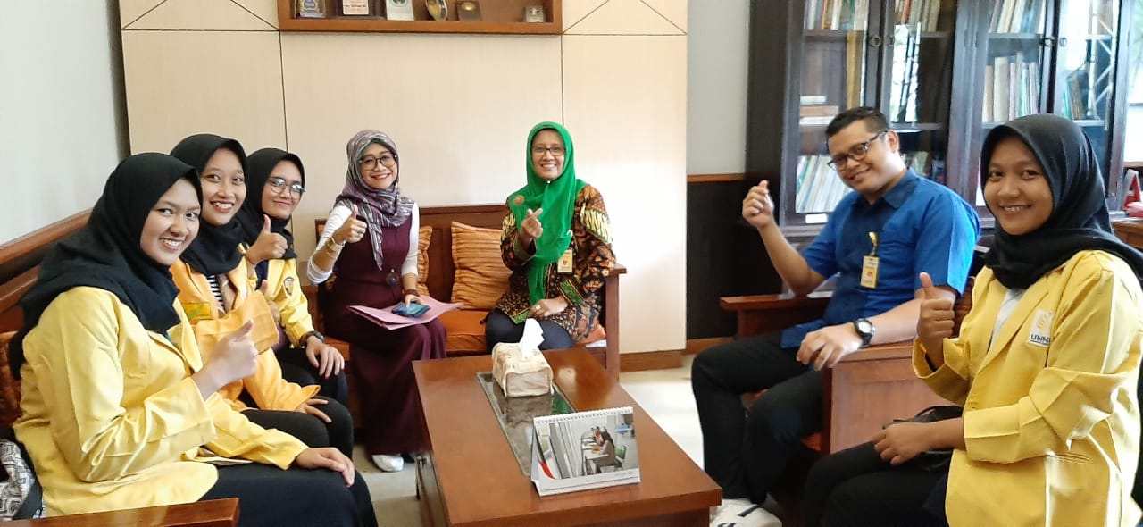 Dekan FBS Melepas Mahasiswa Program Credit Transfer ke Universitas Malaysia Sabah