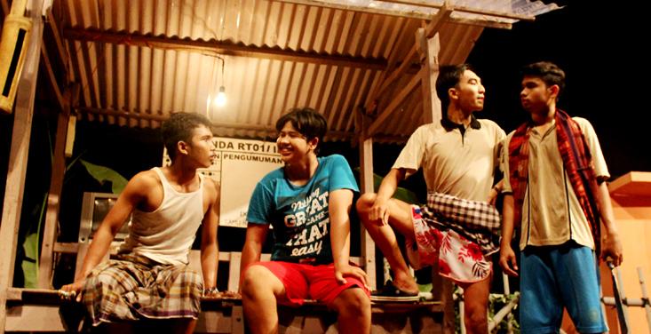 Teater Usmar Ismail Unnes Persembahkan Lakon Sikat Sana Sikat Sini