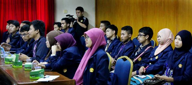 Mahasiswa Bidikmisi Unpad Studi Banding ke Unnes