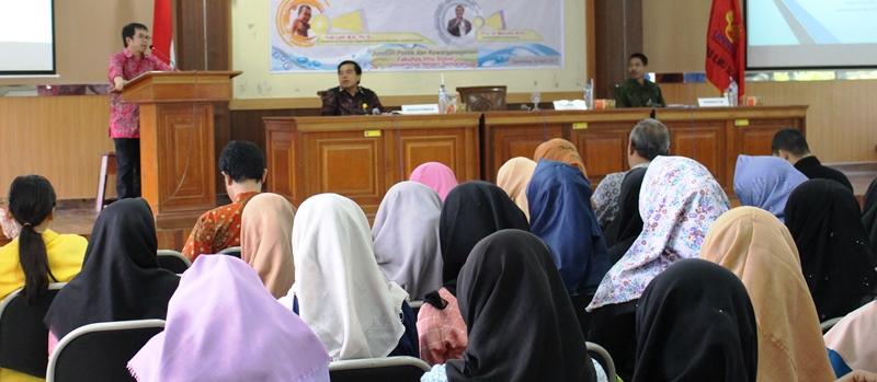 Yudi Latif Bicara Spirit Kebangsaan di PKn UNNES