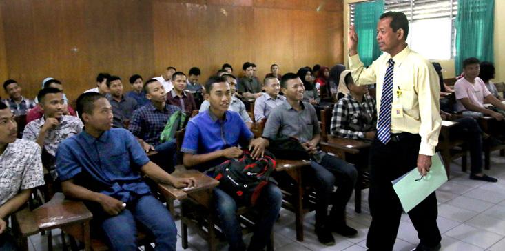 Kuliah Perdana, Wakil Rektor Bidang Akademik Beri Motivasi