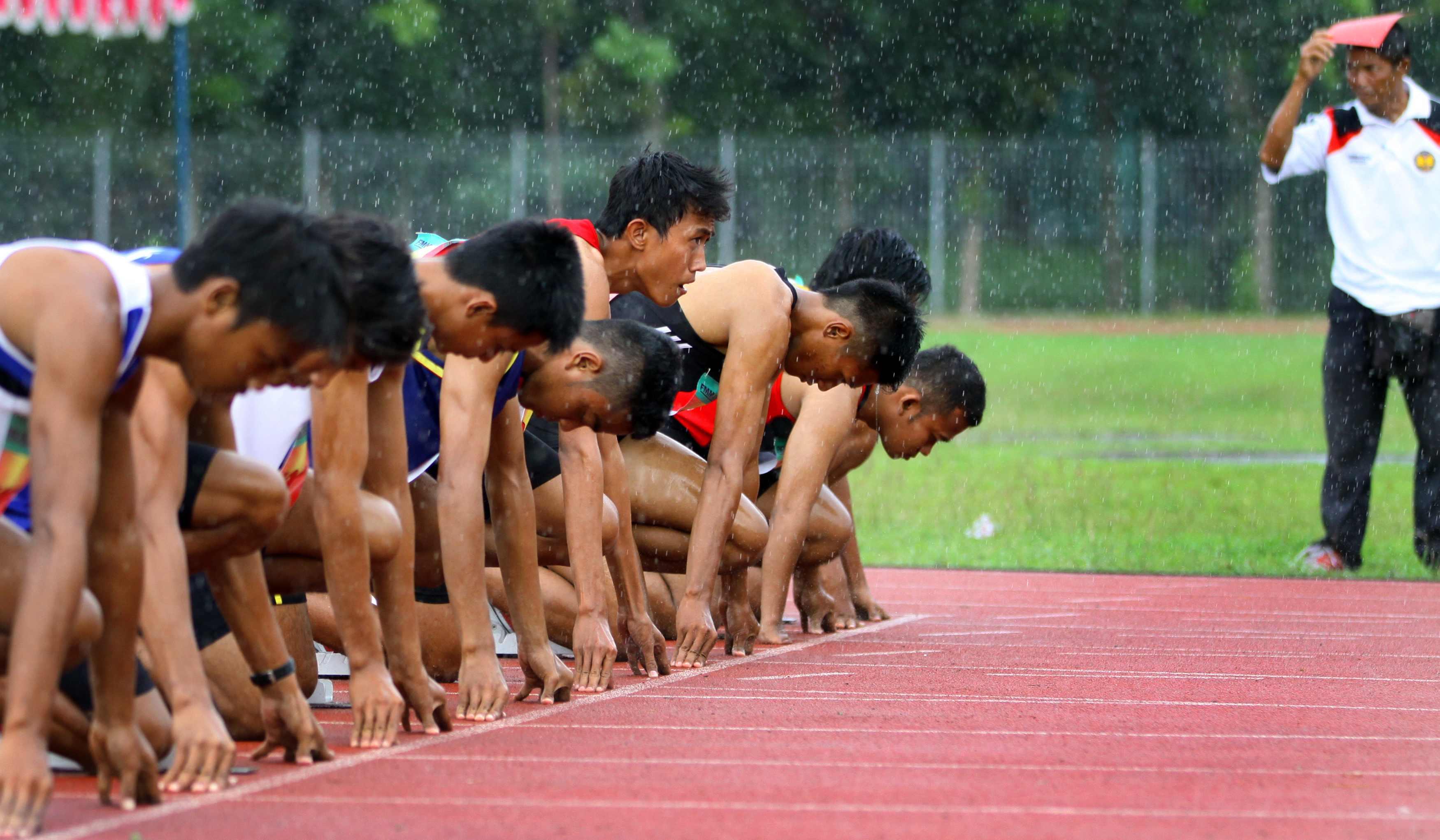 Meski Hujan, Kejurda Atletik Tetap Berlangsung