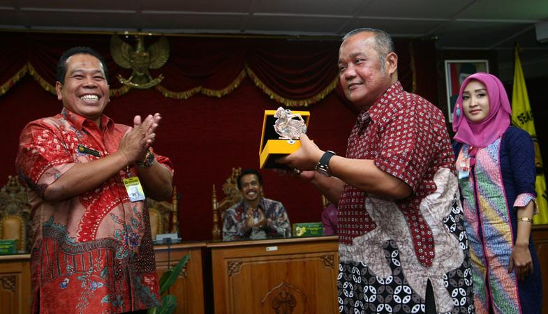Universitas Negeri Padang Studi Banding Ke Unnes