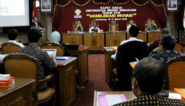 Rapat Kerja, Rektor Ajak untuk Menguatkan Visi dan Misi Unnes