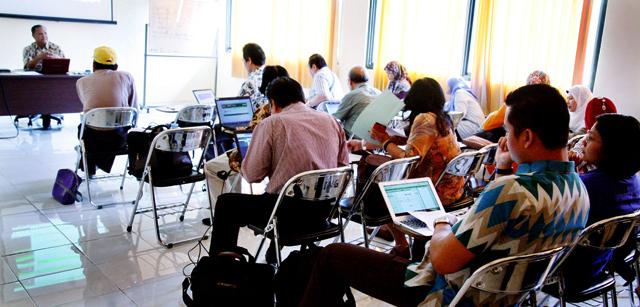 Jurusan Bahasa dan Sastra Inggris FBS Optimalkan 'Sibima'