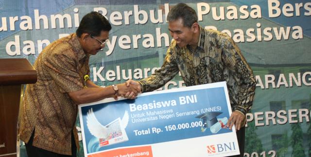 BNI 46 Serahkan Bantuan Beasiswa kepada Unnes
