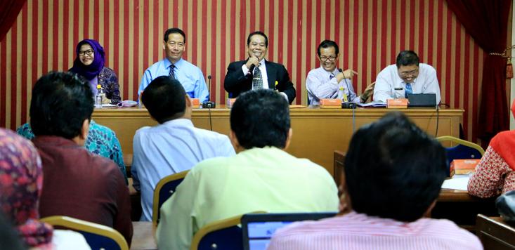 Rektor Angkat Tim Penilaian Angka Kredit