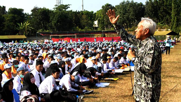 Wakil Ketua DPR RI : Raih Prestasi Tertinggi Menuju Indonesia Emas 2045