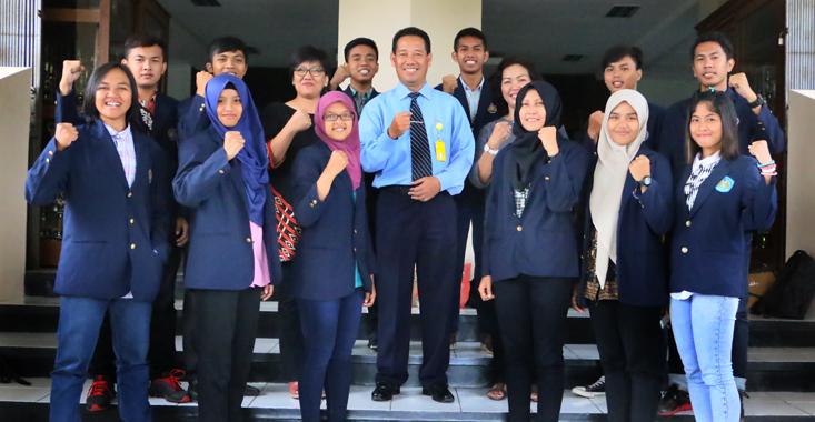12 Mahasiswa Universitas Negeri Surabaya belajar di Unnes