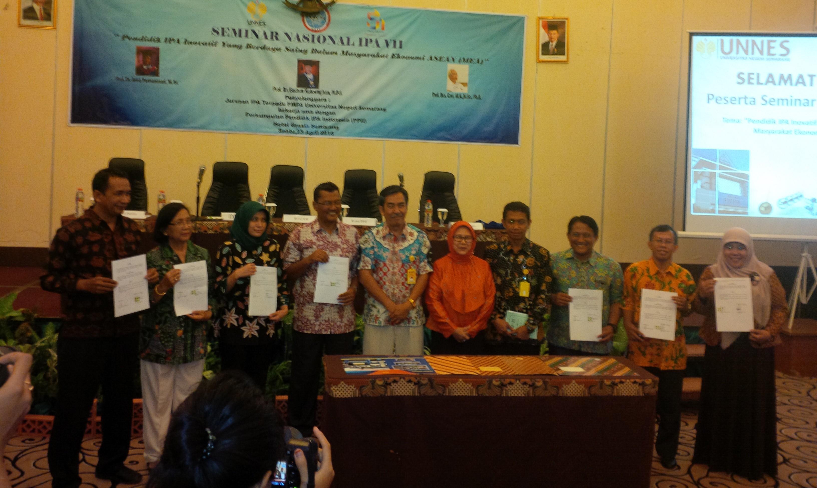 FMIPA Selenggarakan Seminar Nasional IPA Guna Hadapi MEA