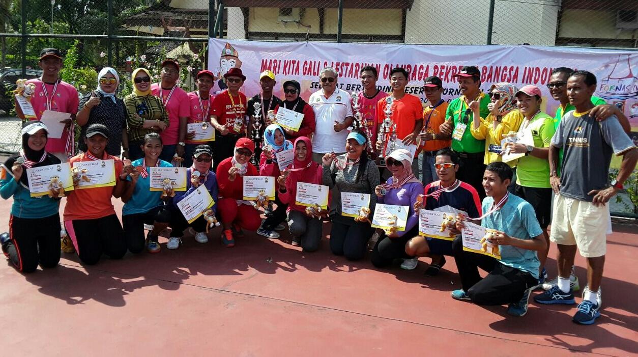 Tim UNNES Juara Cabor Tonnis di Fornas