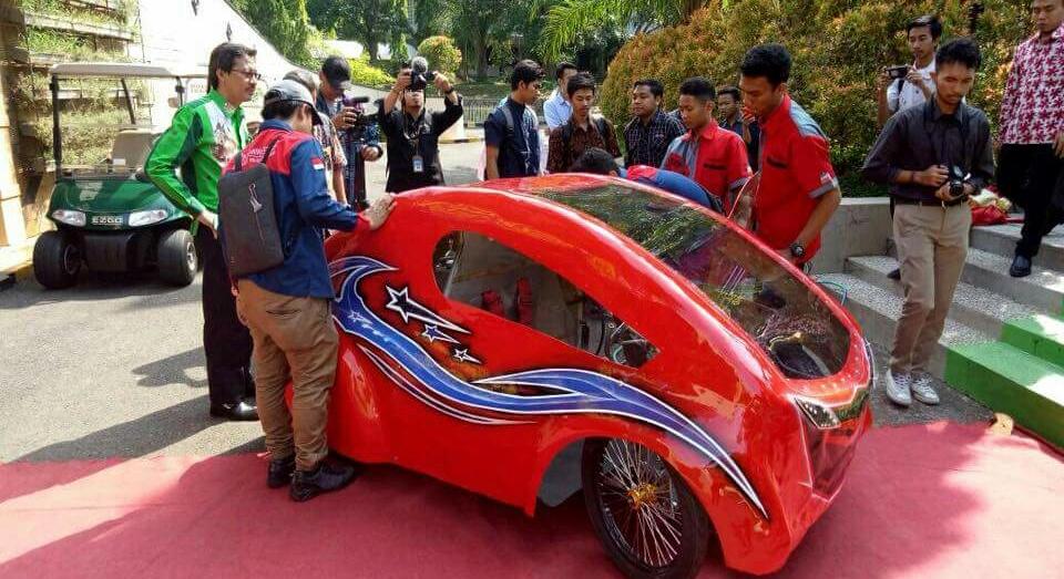 Tim Pandawa Lounching Tiga Mobil Hemat Energi