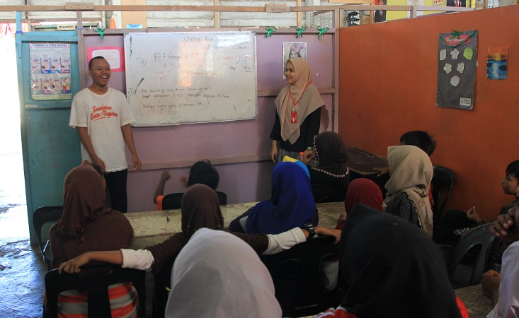 Mahasiswa Kimia UNNES Jadi Fasilitator Saudara Satu Negara di Malaysia