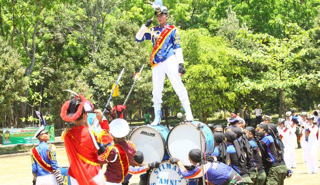 Marching Band  AMNI Meriahkan Pembukaan POMDA Jateng
