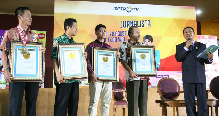 Unnes Terima Penghargaan dari Lembaga Prestasi Indonesia