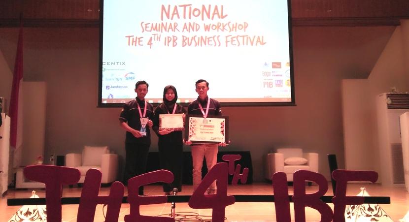 Mahasiswa Manajemen UNNES Menjadi Juara I Marketing Debate Competition