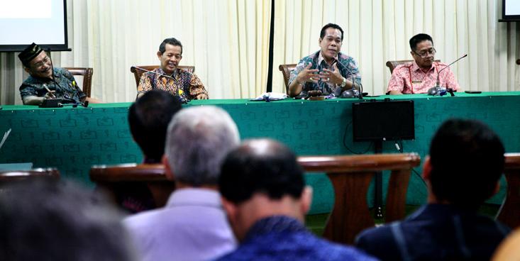 Rektor Unnes Silaturahmi  di Program Pascasarjana