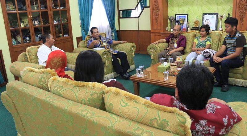 Mahasiswa Asing Siraturahmi dengan Rektor