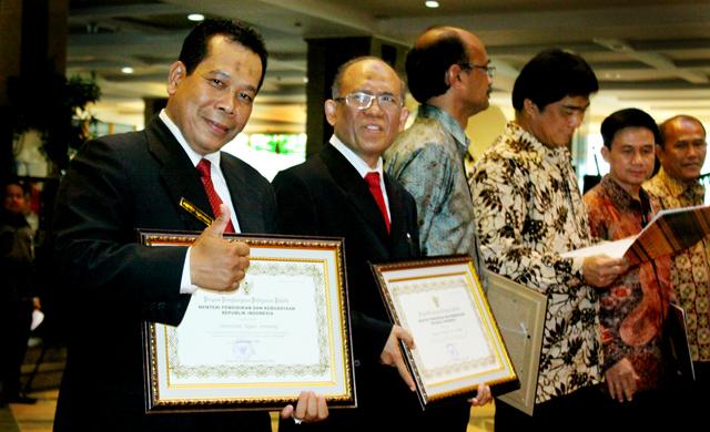 Unnes Juara I Layanan Publik di Lingkungan Kemdikbud