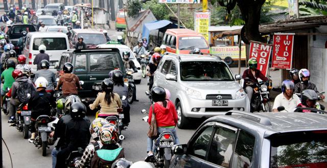 Calon Wisudawan Harap Waspadai Kemacetan di Trangkil