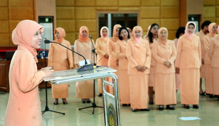 Pelantikan Pengurus Dharma Wanita Unnes