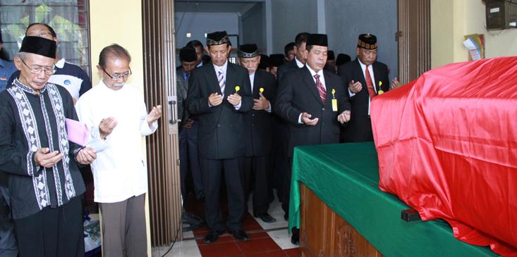 UNNES: Selamat  Jalan Prof Suharyono