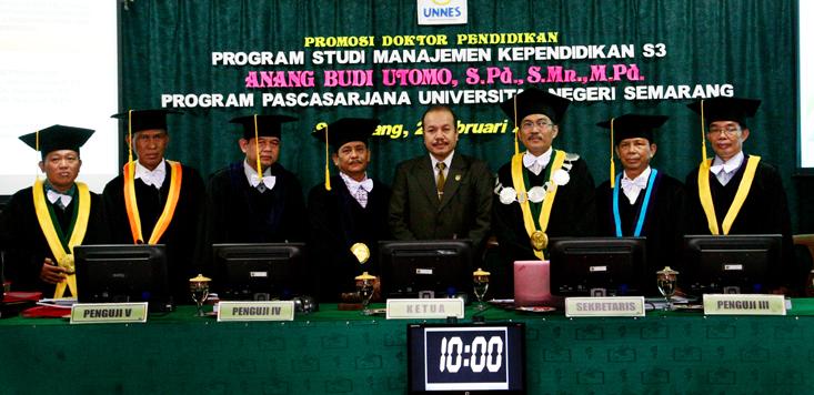Wakil Ketua Komisi D DPRD Kota Semarang  Lulus Doktor Unnes