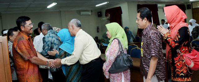 28 Calon Haji Unnes Dilepas Rektor