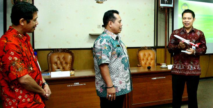 PT Garuda Indonesia Perpanjang MoU dengan Unnes