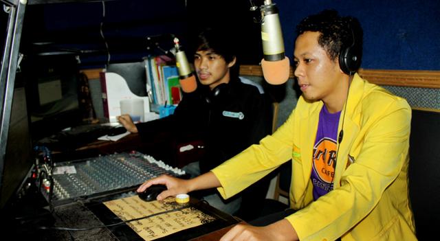 Nikmati Radio Unnes di Streaming Rem Fm