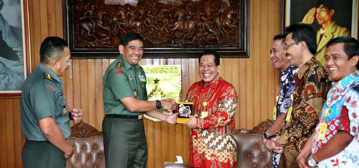 Perkuat Kerja Sama, Unnes Sambangi Kodam IV Diponegoro