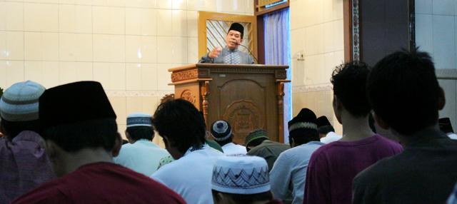 Penuh Berkah, Bulan Ramadan Disambut Gembira