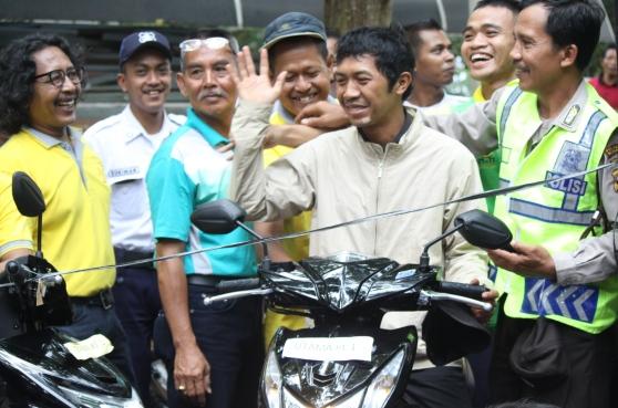 Berkah Dies, Cleaning Service Peroleh Honda Beat