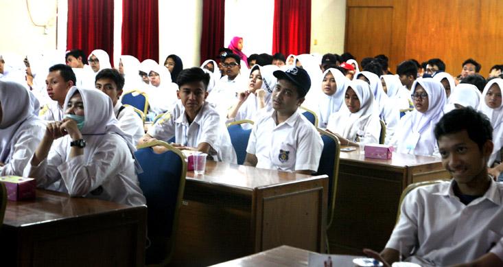 203 Siswa dan Guru SMA Muhammadiyah 25 Setiabudi Pamulang Tangerang Kunjungi UNNES