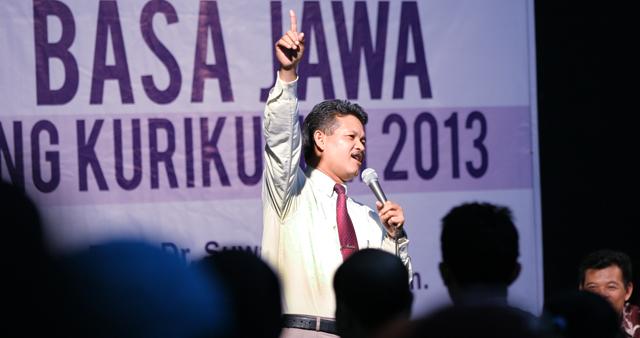 Rektor Unnes Pertahankan Pelajaran Bahasa Jawa