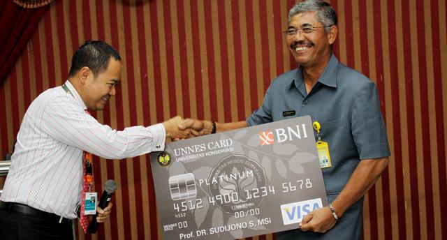 BNI dan Unnes Luncurkan BNI-UNNES Card