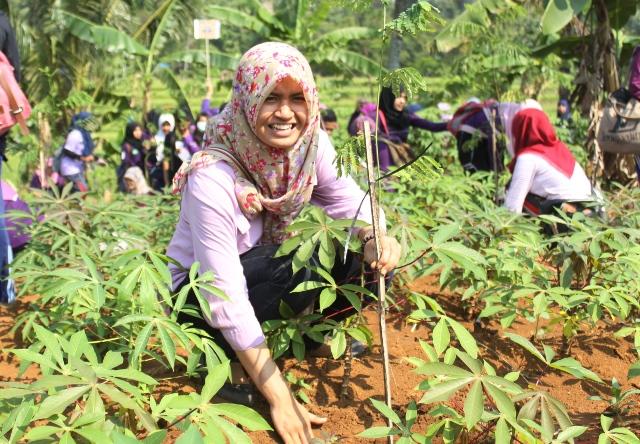 Mangunsari Ditanami 1.300 Bibit Pohon
