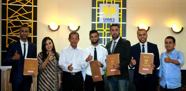 Empat Mahasiswa Libya Lulus S2 Bahasa Inggris UNNES