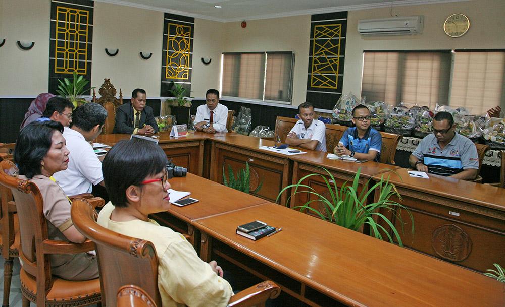 UNNES dan Malaysia Bahas Persiapan Sukmalindo 2017