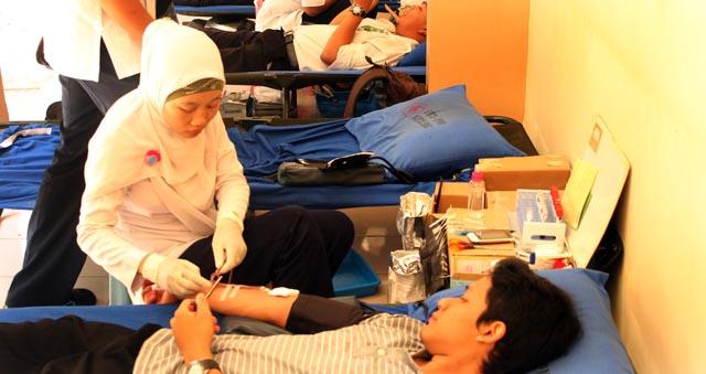 Paskah, Puluhan Orang Donor Darah