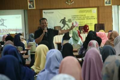 Seminar Pelatihan Karir ajak Mahasiswa Rancang Persiapan Kerja Masa Depan
