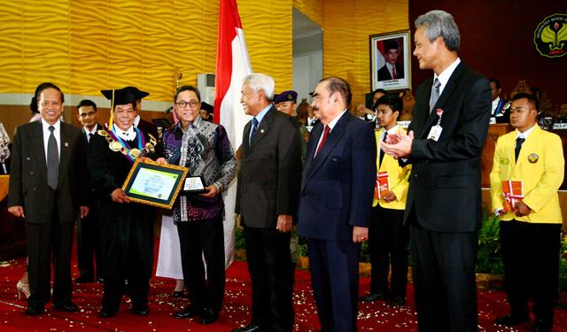 Unnes Berikan Penghargaan Anugerah Konservasi