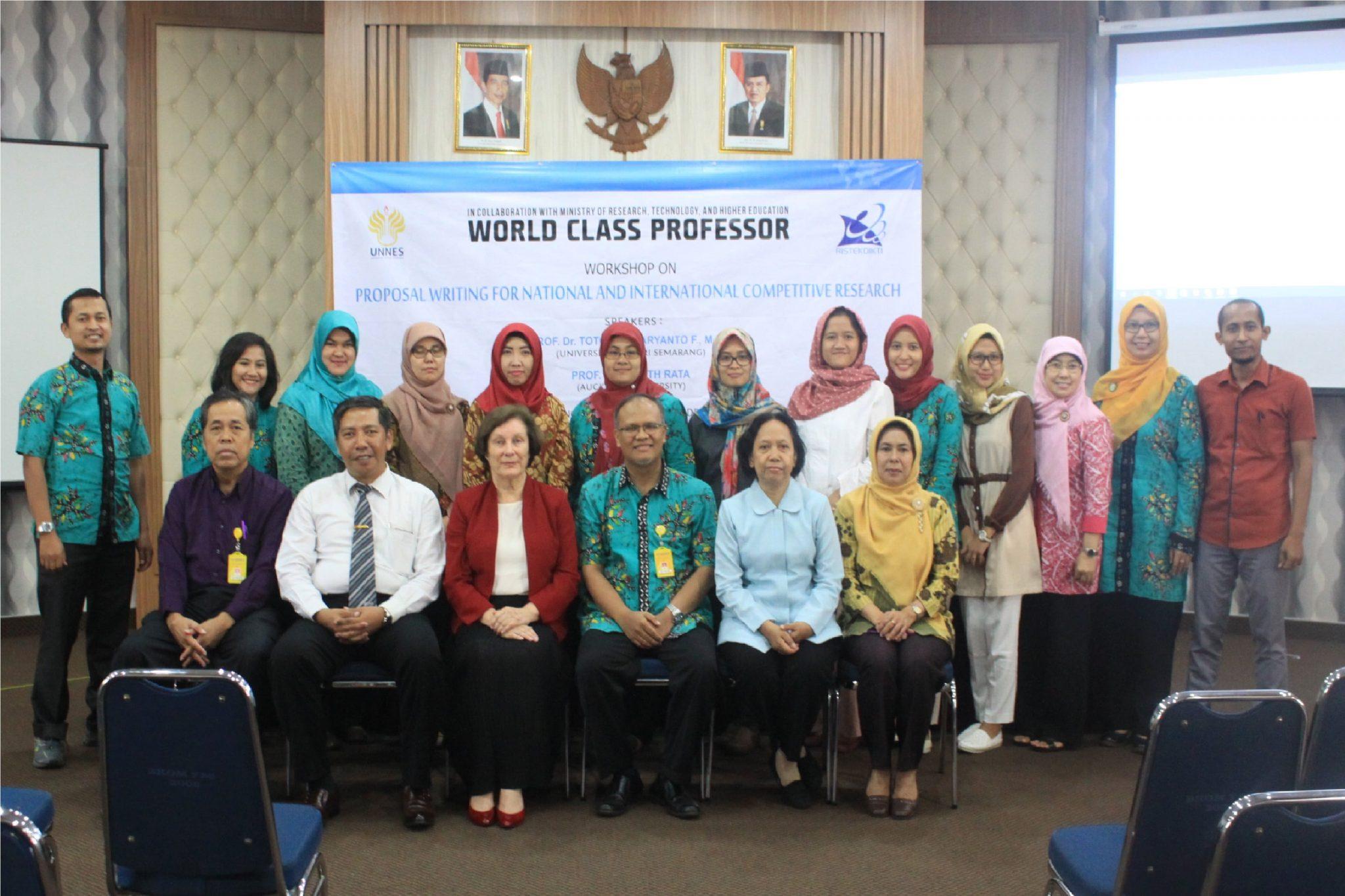 World Class Professor Asah Kemampuan Dosen UNNES dalam Menulis Proposal Penelitian Kompetitif Tingkat Nasional dan Internasional